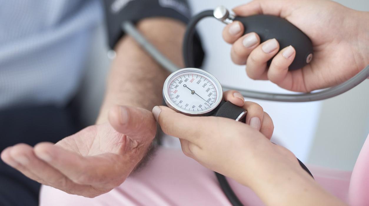 Image result for mengurangi tekanan darah tinggi air kelapa